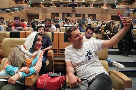 جشن فیلم آینه بغل با اجرای محمدرضا گلزار (4)