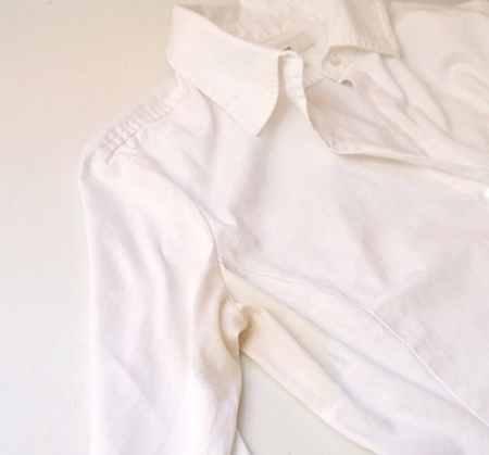 روش های پاک کردن لکه عرق روش های پاک کردن لکه عرق لباس