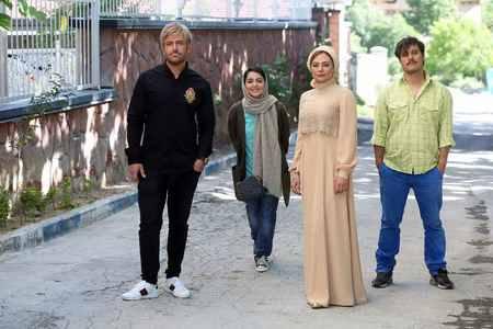 عکس های محمدرضا گلزار در فیلم آینه بغل 3 عکس های محمدرضا گلزار در فیلم آینه بغل