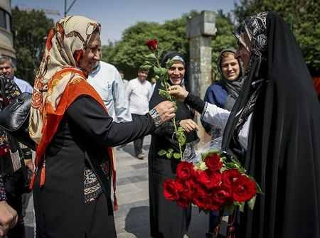 مراسم روز عفاف و حجاب در بازار تهران 4 مراسم روز عفاف و حجاب در بازار تهران