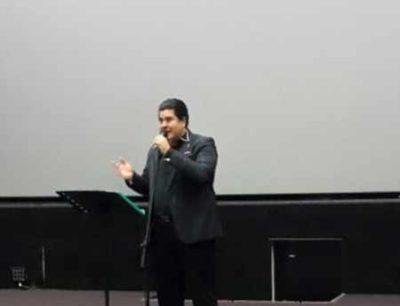 کلیپ اجرای سالار عقیلی در افتتاحیه فیلم مهران مدیری