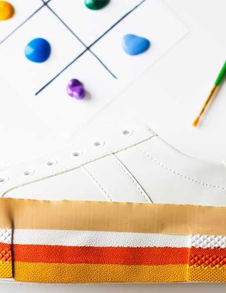 آموزش رنگ آمیزی و تزیین کفش اسپرت (5)