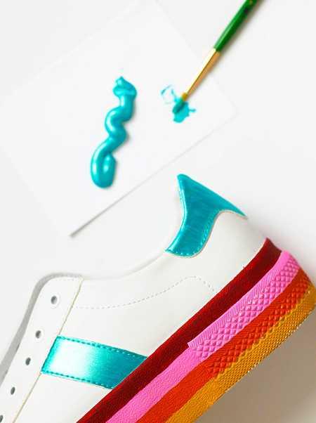 آموزش رنگ آمیزی و تزیین کفش اسپرت (7)