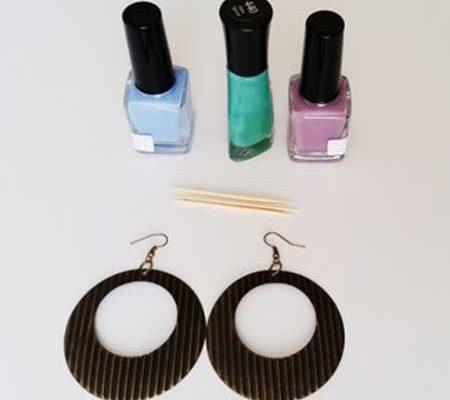 آموزش ساخت و تزئین گوشواره با لاک ناخن (1)