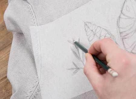 آموزش گلدوزی لباس بافتنی با نخ دمسه 5 آموزش گلدوزی لباس بافتنی با نخ دمسه