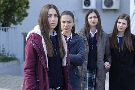 عکس های بازیگران سریال ترکی غنچه های زخمی (1)