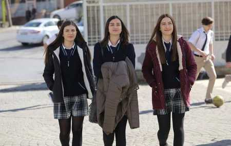 عکس های بازیگران سریال ترکی غنچه های زخمی (31)