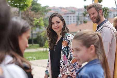 عکس های بازیگران سریال ترکی غنچه های زخمی 9 عکس های بازیگران سریال ترکی غنچه های زخمی