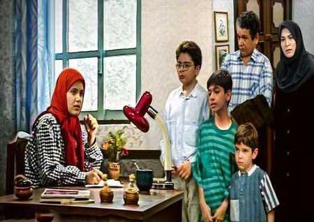 کشف حجاب سهیلا عزیزی بازیگر سریال دنیای شیرین 6 کشف حجاب سهیلا عزیزی بازیگر سریال دنیای شیرین