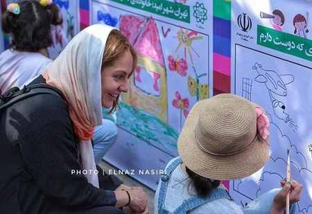 عکس مهناز افشار در جشنواره طولانی ترین نقاشی کشور 1 عکس مهناز افشار در جشنواره طولانی ترین نقاشی کشور