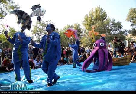 عکس های تئاتر خیابانی در مریوان (4)