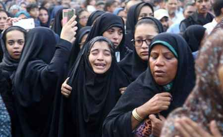 مراسم تشییع پیکر دانش آموزان حادثه داراب در بندرعباس (4)