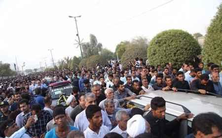 مراسم تشییع پیکر دانش آموزان حادثه داراب در بندرعباس (7)