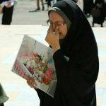 گریه های مادر بنیتا در مراسم شیرخوارگان حسینی (ع)