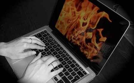 جلوگیری از داغ شدن لپ تاپ با روش های ساده 2 جلوگیری از داغ شدن لپ تاپ با روش های ساده