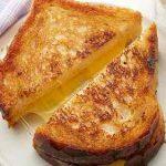 طرز تهیه نان تست پنیری خانگی