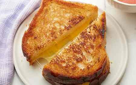 طرز تهیه نان تست پنیری خانگی طرز تهیه نان تست پنیری خانگی