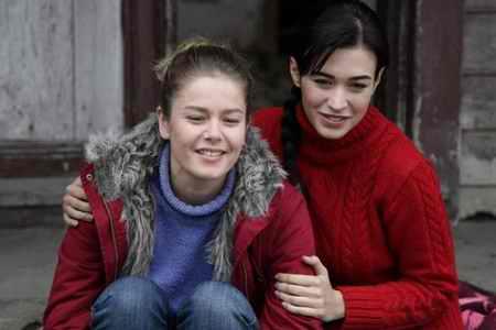 عکس بازیگران و خلاصه داستان سریال ترانه زندگی ترکی (18)