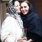 عکس های الهام جعفرنژاد و پوری بنایی در بازارچه خیریه بازباران