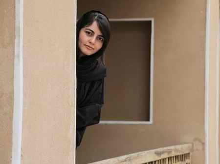 عکس های سارا در سریال سایه بان با بازی افسانه کمالی 5 عکس های سارا در سریال سایه بان با بازی افسانه کمالی