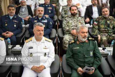 مراسم معارفه فرمانده جدید و تکریم فرمانده پیشین نیروی دریایی ارتش (1)