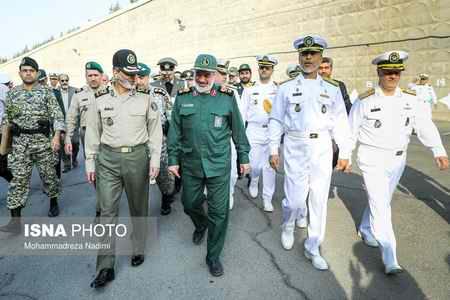 مراسم معارفه فرمانده جدید و تکریم فرمانده پیشین نیروی دریایی ارتش (4)