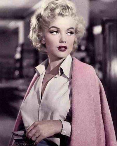 چگونه زنی زیبا و جذاب به نظر برسیم ؟