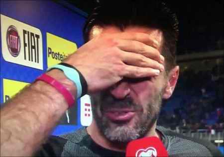 گریه های بوفون به خاطر نرسیدن ایتالیا به جام جهانی 2018 (2)