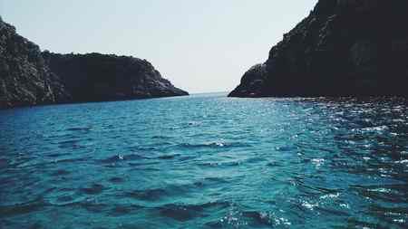 انشا درباره دریا با توصیف کامل 2 انشا درباره دریا با توصیف کامل