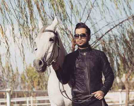 بیوگرافی فرزاد فرخ خواننده ایرانی 4 بیوگرافی فرزاد فرخ خواننده ایرانی