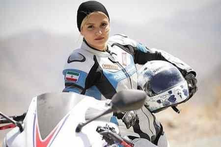 صحبت های بهناز شفیعی موتورسوار ایرانی درباره نیکی کریمی (3)