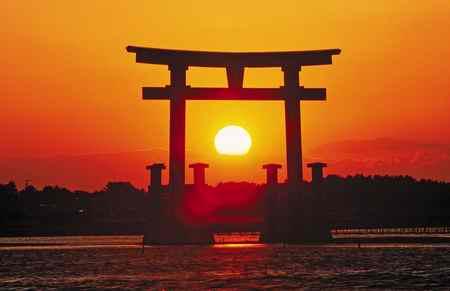 آفتاب تابان لقب کدام کشور است 2 آفتاب تابان لقب کدام کشور است