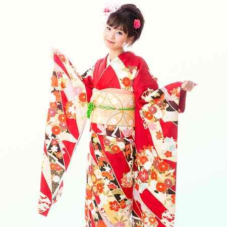 لباس سنتی زنان ژاپنی چیست 1 لباس سنتی زنان ژاپنی چیست
