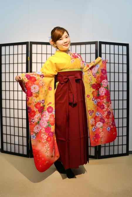 لباس سنتی زنان ژاپنی چیست 2 لباس سنتی زنان ژاپنی چیست