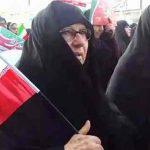 عکس های مادر مسیح علی نژاد در راهپیمایی 22 بهمن