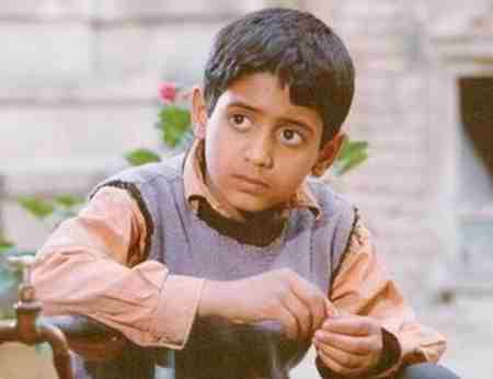 بازیگر نقش علی در فیلم بچه های آسمان (1)