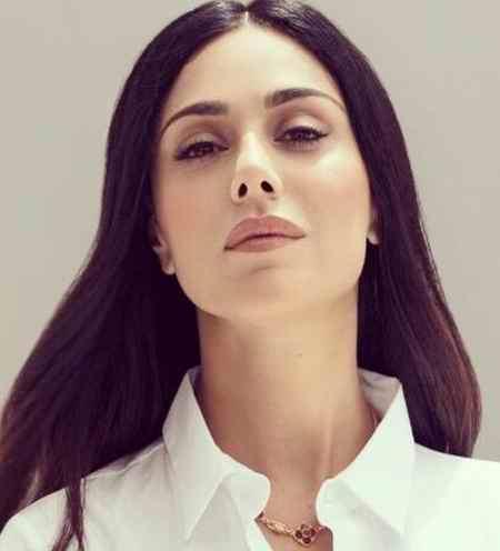 بیوگرافی لیلا کاردان خواننده و همسرش 5 بیوگرافی لیلا کاردان خواننده و همسرش