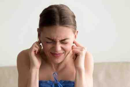 دلیل سوت کشیدن گوش چیست 1 دلیل سوت کشیدن گوش چیست