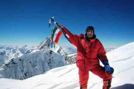 کوه اورست در کدام کشور است
