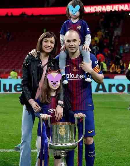 بیوگرافی آندرس اینیستا بازیکن فوتبال اسپانیا و همسرش (5)