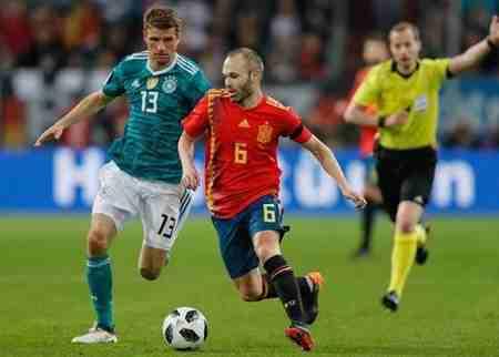 بیوگرافی آندرس اینیستا بازیکن فوتبال اسپانیا و همسرش 8 بیوگرافی آندرس اینیستا بازیکن فوتبال اسپانیا و همسرش