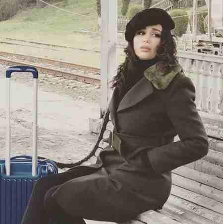 بیوگرافی احلام خواننده زن ایرانی 1 بیوگرافی احلام خواننده زن ایرانی