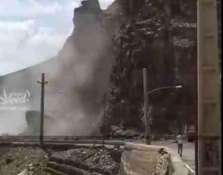 فیلم ریزش کوه در جاده هراز