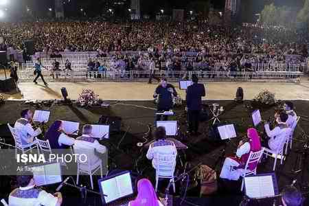 کنسرت خیابانی محمد معتمدی در کدام خیابان تهران برگزار شد؟