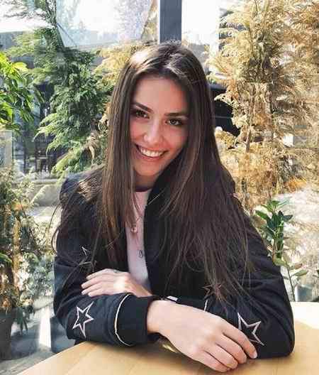 بیوگرافی بازیگر نقش الا در سریال ترکی مریم (4)