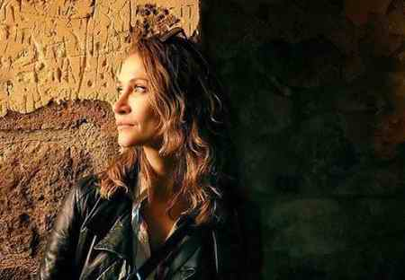 بیوگرافی بازیگر نقش ایدیل در سریال عشق سیاه و سفید (2)