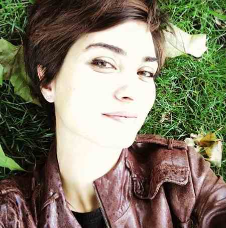 بیوگرافی بازیگر نقش لطیفه در سریال ترکی لطیفه (10)