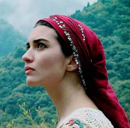 بیوگرافی بازیگر نقش لطیفه در سریال ترکی لطیفه (4)