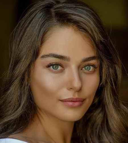 بیوگرافی بازیگر نقش مریم در سریال ترکی مریم (7)