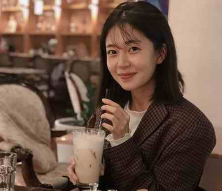 بیوگرافی بازیگر نقش ملکه تاناشیری در سریال ملکه کی (4)